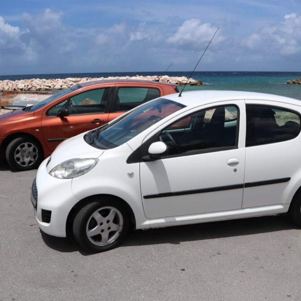Peugeot 107 Wit Stage Op Curacao